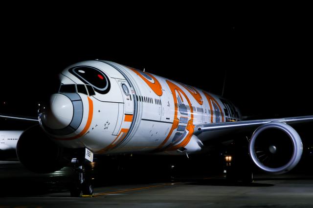 スカイチームKMJ ももこさんが、羽田空港で撮影した全日空 777-381/ERの航空フォト(飛行機 写真・画像)