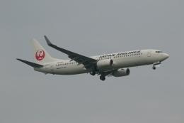 GNPさんが、小松空港で撮影した日本航空 737-846の航空フォト(飛行機 写真・画像)