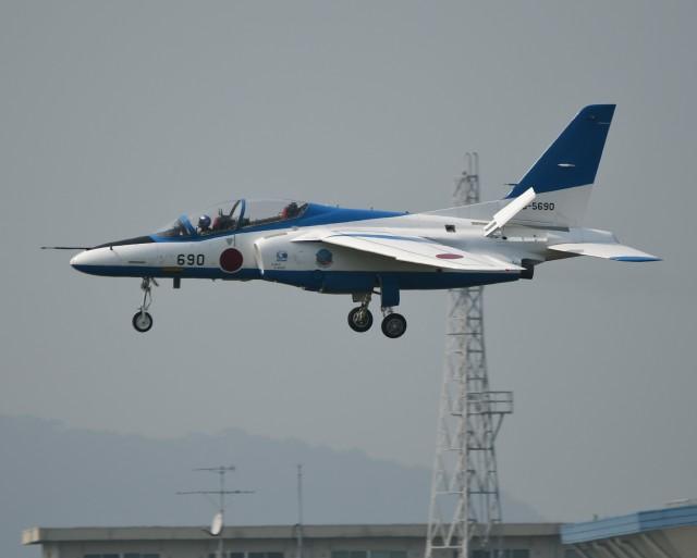 かたつむりくんさんが、松島基地で撮影した航空自衛隊 T-4の航空フォト(飛行機 写真・画像)
