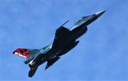 こびとさんさんが、三沢飛行場で撮影した航空自衛隊 F-2Aの航空フォト(飛行機 写真・画像)