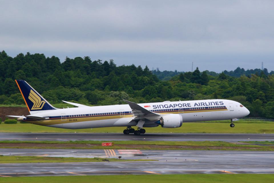 inyoさんのシンガポール航空 Boeing 787-10 (9V-SCA) 航空フォト