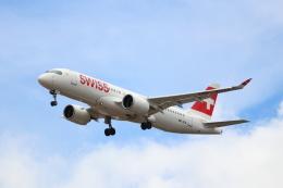 kenzy201さんが、リスボン・ウンベルト・デルガード空港で撮影したスイスインターナショナルエアラインズ BD-500-1A11 CSeries CS300の航空フォト(飛行機 写真・画像)