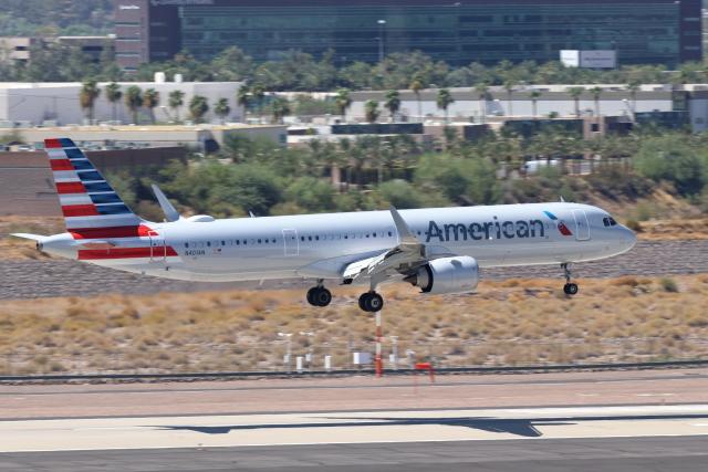 キャスバルさんが、フェニックス・スカイハーバー国際空港で撮影したアメリカン航空 A321-253NXの航空フォト(飛行機 写真・画像)