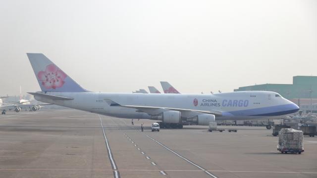 誘喜さんが、台湾桃園国際空港で撮影したチャイナエアライン 747-409F/SCDの航空フォト(飛行機 写真・画像)