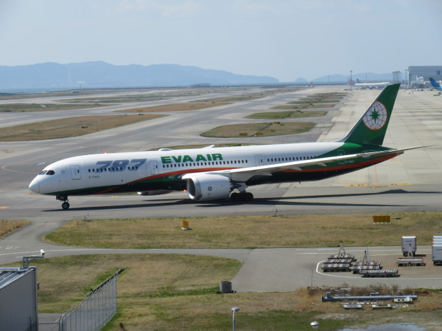 LOVE767さんが、関西国際空港で撮影したエバー航空 787-9の航空フォト(飛行機 写真・画像)