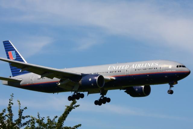 Hiro-hiroさんが、成田国際空港で撮影したユナイテッド航空 777-222/ERの航空フォト(飛行機 写真・画像)