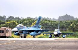 Aurora56さんが、茨城空港で撮影した航空自衛隊 F-2Aの航空フォト(飛行機 写真・画像)