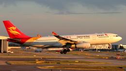 誘喜さんが、ロンドン・ヒースロー空港で撮影した北京首都航空 A330-243の航空フォト(飛行機 写真・画像)