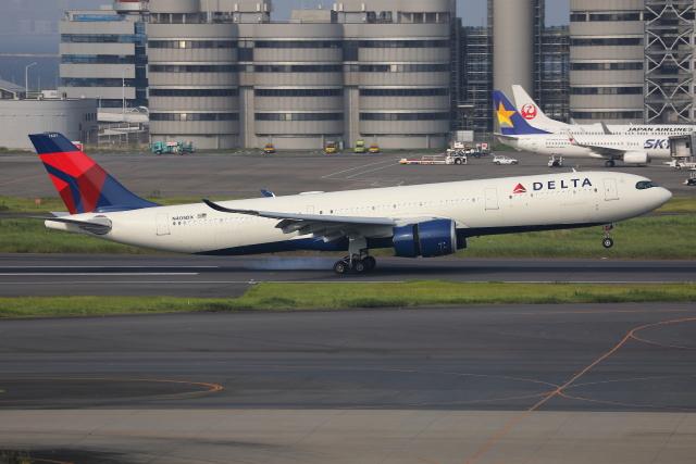 TIA spotterさんが、羽田空港で撮影したデルタ航空 A330-941の航空フォト(飛行機 写真・画像)