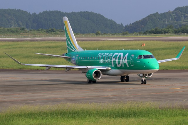 walker2000さんが、静岡空港で撮影したフジドリームエアラインズ ERJ-170-200 (ERJ-175STD)の航空フォト(飛行機 写真・画像)