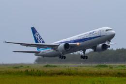 紫電さんが、宮崎空港で撮影した全日空 767-381/ERの航空フォト(飛行機 写真・画像)