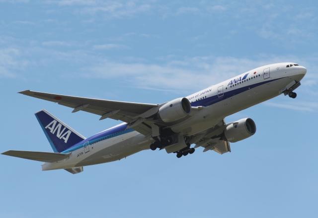 新城良彦 JAL FANさんが、伊丹空港で撮影した全日空 737-881の航空フォト(飛行機 写真・画像)