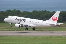 プルシアンブルーさんが、新潟空港で撮影したジェイ・エア ERJ-170-100 (ERJ-170STD)の航空フォト(飛行機 写真・画像)