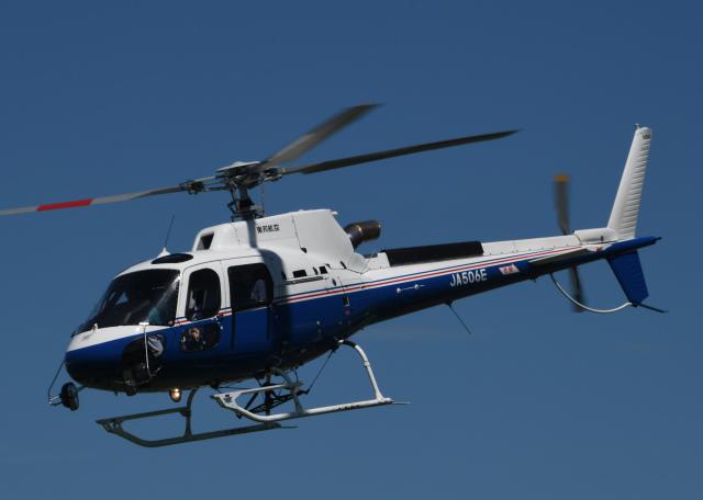 チャーリーマイクさんが、東京ヘリポートで撮影した昭和リース AS350B3 Ecureuilの航空フォト(飛行機 写真・画像)
