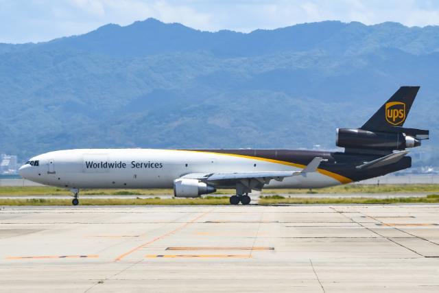 ROSENTHALさんが、関西国際空港で撮影したUPS航空 MD-11Fの航空フォト(飛行機 写真・画像)