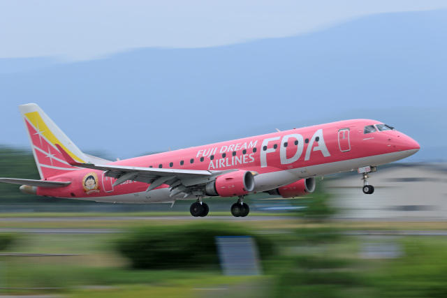 Nao0407さんが、松本空港で撮影したフジドリームエアラインズ ERJ-170-200 (ERJ-175STD)の航空フォト(飛行機 写真・画像)