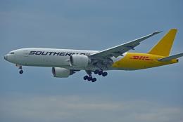 Souma2005さんが、香港国際空港で撮影したサザン・エア 777-FZBの航空フォト(飛行機 写真・画像)