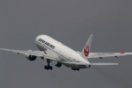khideさんが、伊丹空港で撮影した日本航空 777-289の航空フォト(飛行機 写真・画像)