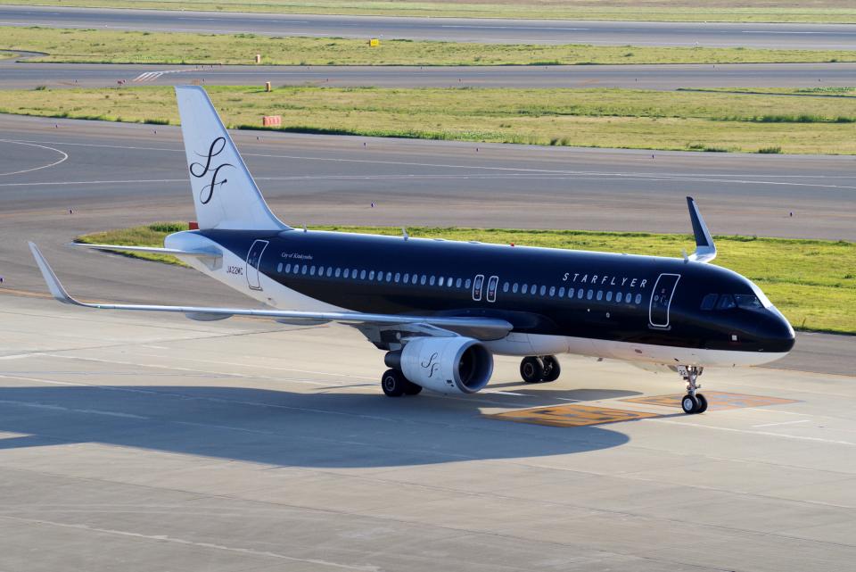 yabyanさんのスターフライヤー Airbus A320 (JA22MC) 航空フォト