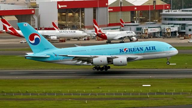 FlyingMonkeyさんが、シドニー国際空港で撮影した大韓航空 A380-861の航空フォト(飛行機 写真・画像)