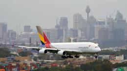 FlyingMonkeyさんが、シドニー国際空港で撮影したアシアナ航空 A380-841の航空フォト(飛行機 写真・画像)