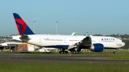 FlyingMonkeyさんが、シドニー国際空港で撮影したデルタ航空 777-232/LRの航空フォト(飛行機 写真・画像)