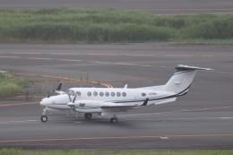 KAZFLYERさんが、羽田空港で撮影したノエビア B300の航空フォト(飛行機 写真・画像)