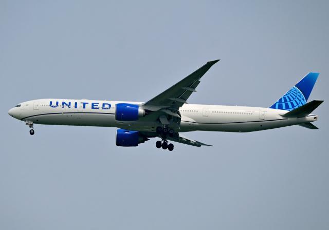 雲霧さんが、成田国際空港で撮影したユナイテッド航空 777-322/ERの航空フォト(飛行機 写真・画像)
