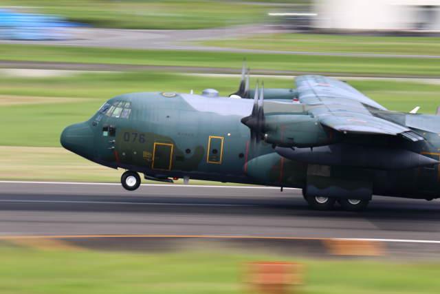 とらまるさんが、名古屋飛行場で撮影した航空自衛隊 C-130H Herculesの航空フォト(飛行機 写真・画像)
