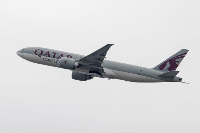 Koenig117さんが、関西国際空港で撮影したカタール航空カーゴ 777-FDZの航空フォト(飛行機 写真・画像)