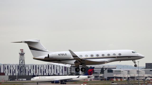 誘喜さんが、ロンドン・ヒースロー空港で撮影したユタ銀行 G650 (G-VI)の航空フォト(飛行機 写真・画像)