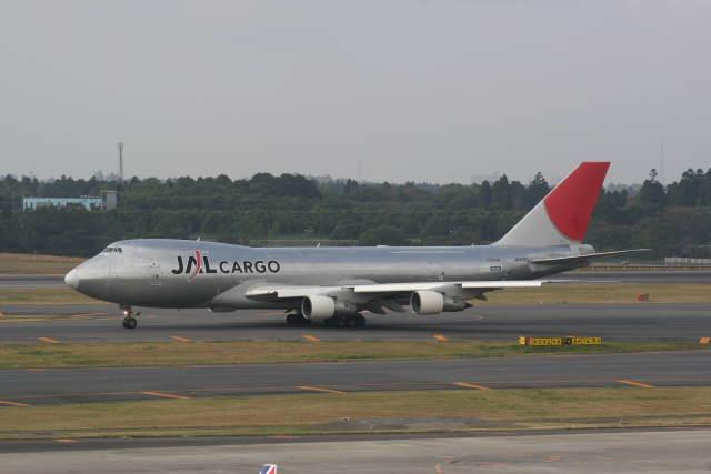 プルシアンブルーさんが、成田国際空港で撮影した日本航空 747-246F/SCDの航空フォト(飛行機 写真・画像)