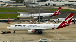 FlyingMonkeyさんが、シドニー国際空港で撮影したカンタス航空 A330-201の航空フォト(飛行機 写真・画像)