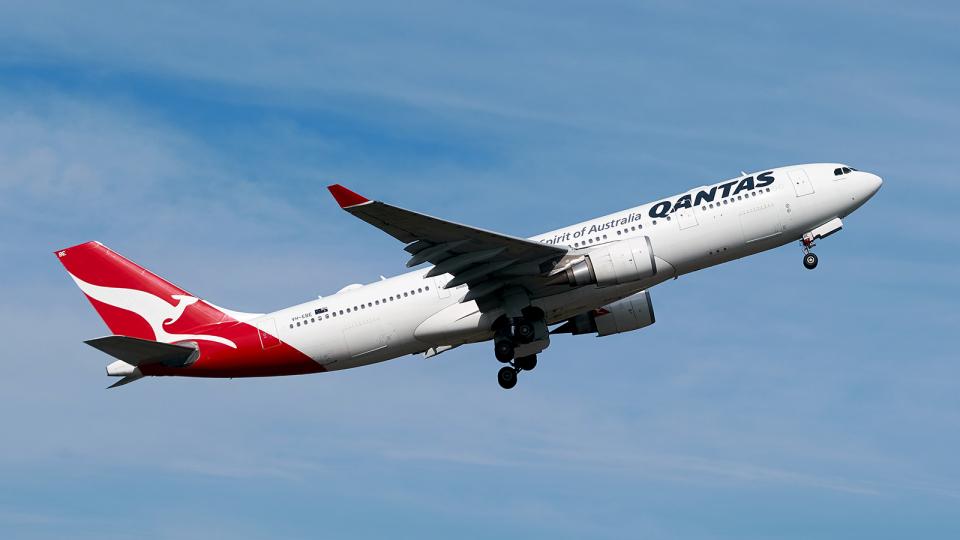 FlyingMonkeyさんのジェットスター Airbus A330-200 (VH-EBE) 航空フォト