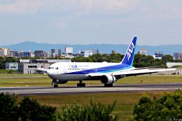 Jin Bergqiさんが、伊丹空港で撮影した全日空 767-381/ERの航空フォト(飛行機 写真・画像)