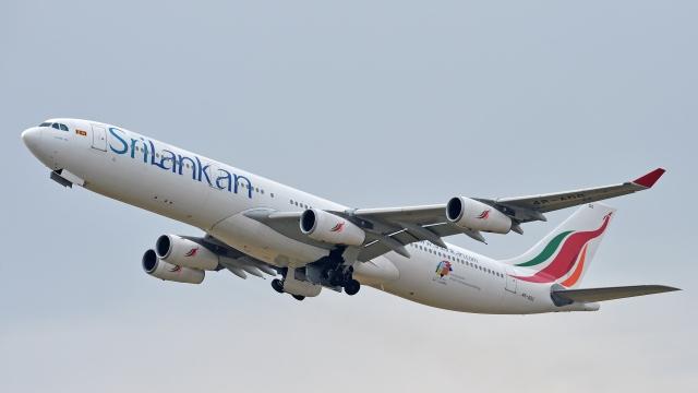 flytaka78さんが、成田国際空港で撮影したスリランカ航空 A340-313Xの航空フォト(飛行機 写真・画像)