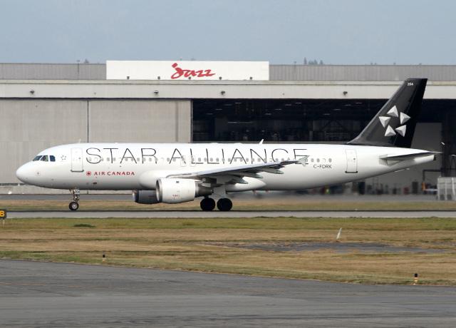 バンクーバー国際空港 - Vancouver International Airport [YVR/CYVR]で撮影されたバンクーバー国際空港 - Vancouver International Airport [YVR/CYVR]の航空機写真(フォト・画像)