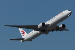 木人さんが、成田国際空港で撮影した中国東方航空 777-39P/ERの航空フォト(飛行機 写真・画像)