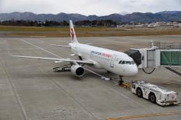 Cスマイルさんが、花巻空港で撮影した中国東方航空 A320-214の航空フォト(飛行機 写真・画像)