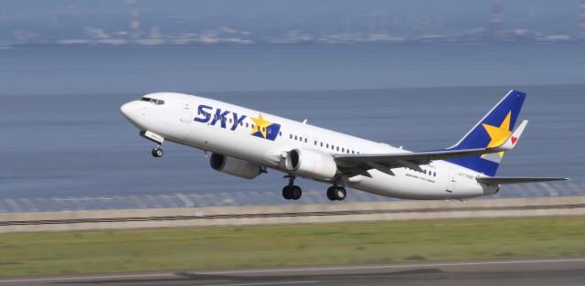 bomberbomさんが、中部国際空港で撮影したスカイマーク 737-81Dの航空フォト(飛行機 写真・画像)