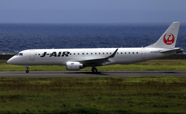 CL&CLさんが、奄美空港で撮影したジェイ・エア ERJ-190-100(ERJ-190STD)の航空フォト(飛行機 写真・画像)
