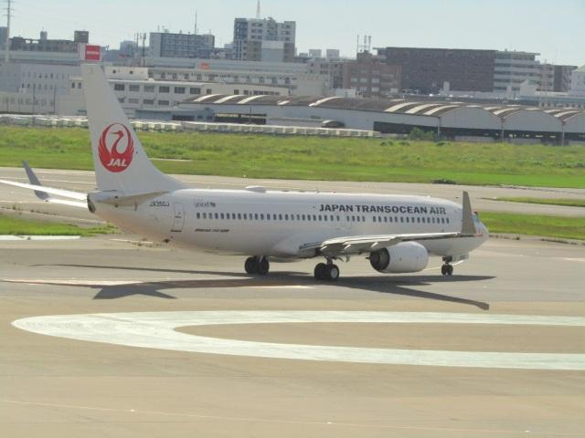 commet7575さんが、福岡空港で撮影した日本トランスオーシャン航空 737-846の航空フォト(飛行機 写真・画像)