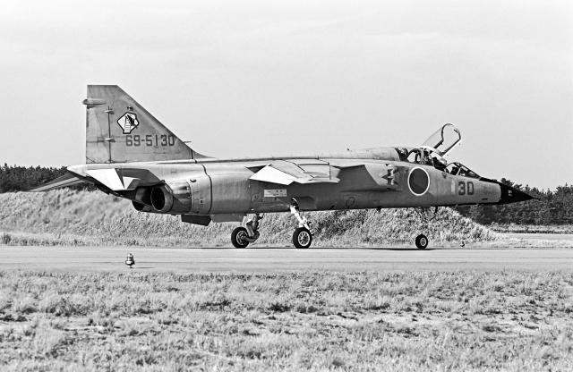 A-330さんが、小松空港で撮影した航空自衛隊 T-2の航空フォト(飛行機 写真・画像)