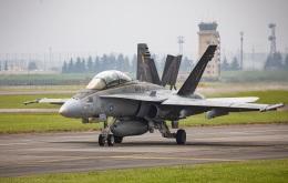 new_2106さんが、横田基地で撮影したアメリカ海兵隊 F/A-18D Hornetの航空フォト(飛行機 写真・画像)