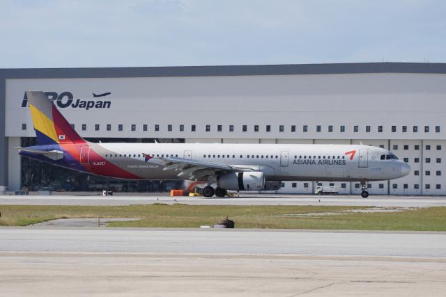 神宮寺ももさんが、那覇空港で撮影したアシアナ航空 A321-231の航空フォト(飛行機 写真・画像)