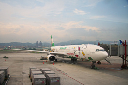 inyoさんが、台北松山空港で撮影したエバー航空 A330-302Xの航空フォト(飛行機 写真・画像)