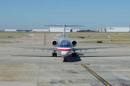 かずまっくすさんが、ダラス・フォートワース国際空港で撮影したアメリカン航空 MD-82 (DC-9-82)の航空フォト(飛行機 写真・画像)