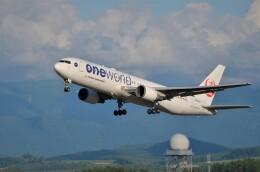 はれ747さんが、旭川空港で撮影した日本航空 767-346の航空フォト(飛行機 写真・画像)