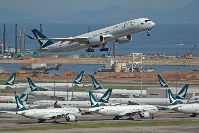 Souma2005さんが、香港国際空港で撮影したキャセイパシフィック航空 A350-941の航空フォト(飛行機 写真・画像)