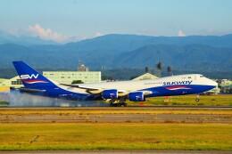ちっとろむさんが、小松空港で撮影したシルクウェイ・ウェスト・エアラインズ 747-83QFの航空フォト(飛行機 写真・画像)